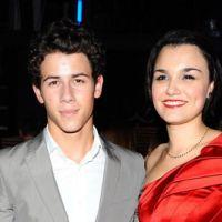 Joe des Jonas Brothers et Ashley Greene ... ils ont rencontré la nouvelle copine de Nick
