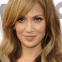 Jennifer Lopez ... parce qu'elle le vaut bien ... elle devient égérie de L'Oréal Paris