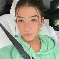 Charli d'Amelio perd 500 000 abonnés après une vidéo : en pleurs, elle réagit aux insultes