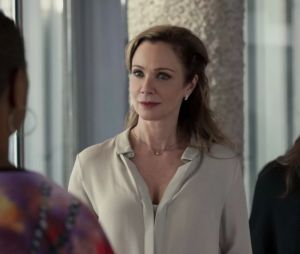 Tiny Pretty Things saison 2 : Monique (Lauren Holly) a-t-elle tué (SPOILER) ?