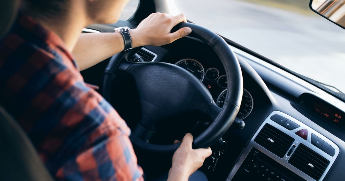 Permis de conduire : une aide de 1 300€ pour les jeunes en Île-de-France - Purebreak