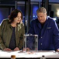 Les Experts saison 16 : la série de retour avec William Petersen (Gil) et Jorja Fox (Sara)