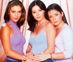 Charmed : Alyssa Milano (Phoebe) a-t-elle gardé contact avec Holly Marie Combs (Piper), Shannen Doherty (Prue) et Rose McGowan (Paige) ? Elle ne parle qu'à une seule d'entre elle