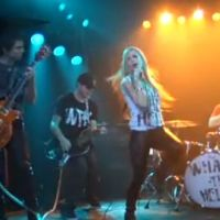 Avril Lavigne ...  un extrait de son nouveau clip What The Hell