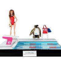 Laure Manaudou ... Elle nous présente la Barbie à son effigie