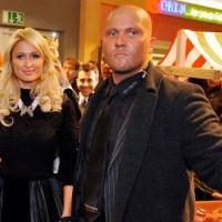 Paris Hilton ... Reconvertie en commerciale pour son champagne en canette (photos)