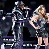 Superbowl 2011 ... Photos des concerts des Black Eyed Peas, Christina Aguilera et Usher