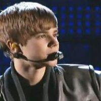 Justin Bieber ... Déçu de ne rien gagner, il a quitté les Grammy Awards avant la fin (photos et vidéo)