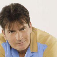 Charlie Sheen ... un fan dingue arrêté dans sa maison