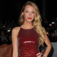 Blake Lively ... divinement brune pour le film Green Lantern