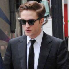 PHOTOS ... Robert Pattinson tiré à quatre épingles pour Cosmopolis