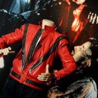 Bon plan : La veste rouge ''Thriller'' de Michael Jackson pour moins de 50 euros
