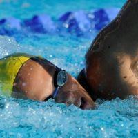 Laure Manaudou de retour et comme un poisson dans l'eau (PHOTO)