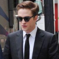 Robert Pattinson se coupe les cheveux ... une catastrophe