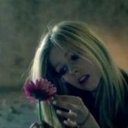 Avril Lavigne : en larmes pour son nouveau clip Wish You Were Here