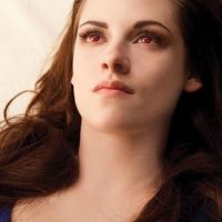 Twilight 4 : Kristen Stewart nous tue en vampire (PHOTO)