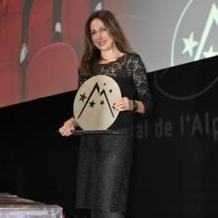 Elsa Zylberstein : jolie gagnante du prix d'interprétation féminine à l'Alpe d'Huez