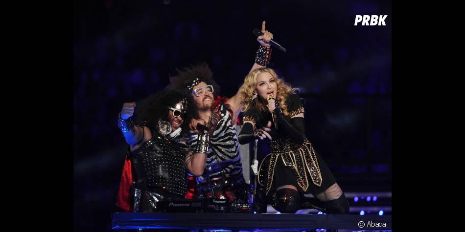 Madonna avec les LMFAO lors du Super Bowl
