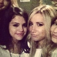 Ashley Tisdale part en guerre contre Selena Gomez ... sur Twitter !