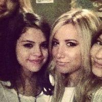 Ashley Tisdale part en guerre contre Selena Gomez ... sur Twitter !
