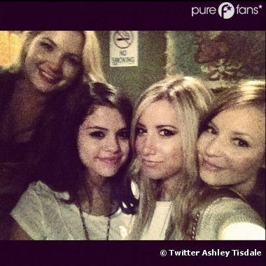 Ashley Tisdale et Selena Gomez, pas vraiment ennemies