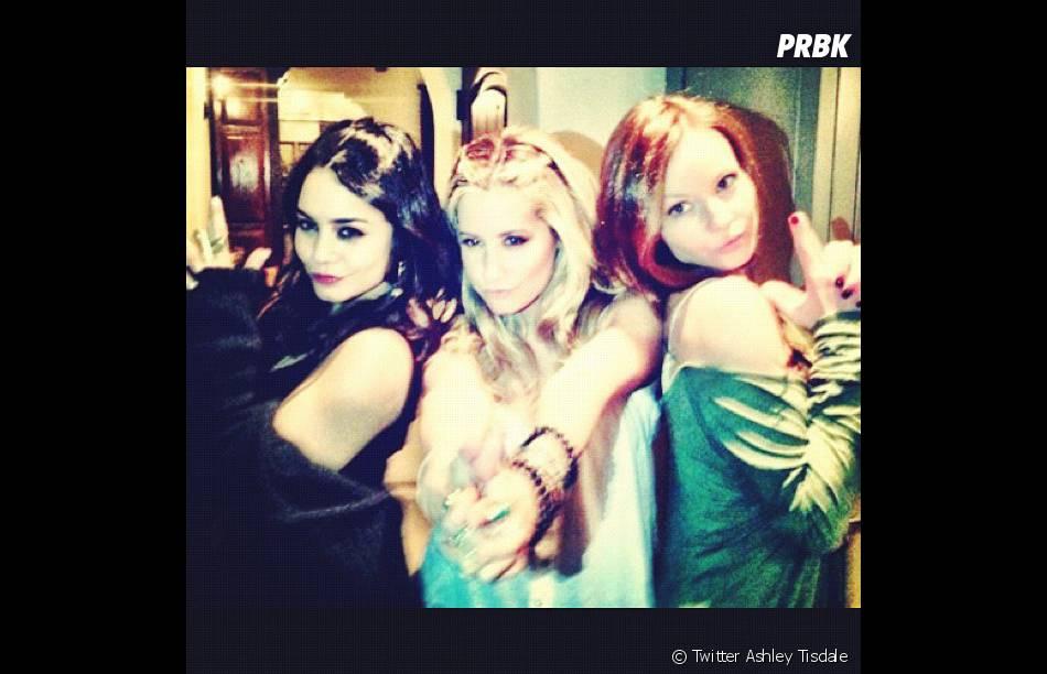 Ashley Tisdale s'éclate avec Vanessa Hudgens et une amie