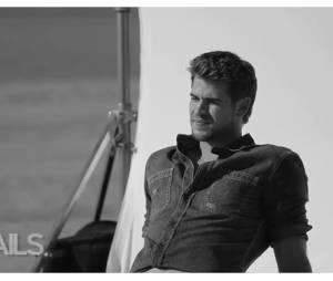 Liam Hemsworth dans les coulisses de son shoot pour Details