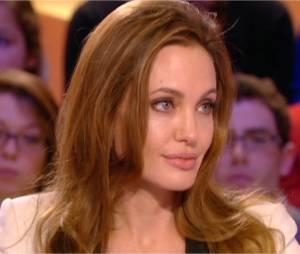 Angelina Jolie au Grand Journal le 16 février 2012
