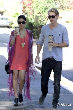 Vanessa Hudgens et son chéri Austin Butler de sortie