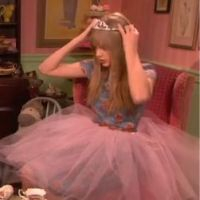 """Taylor Swift : """"Tea Time"""" avec Sophia Grace et Rosie sur le Ellen Show ! Trop mimi (VIDEO)"""