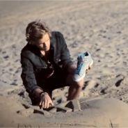 EXCLU : Cody Simpson et la chaussure géante dans #FRANCEWANTSCODY (VIDEO)