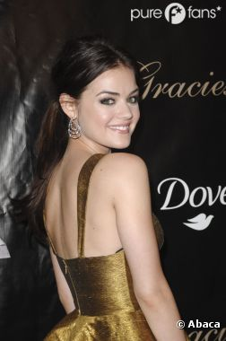 Lucy Hale kiffe Miley Cyrus et Hunger Games