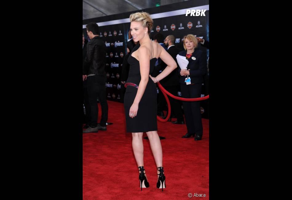 Scarlett Johansson sur le red carpet du film The Avengers