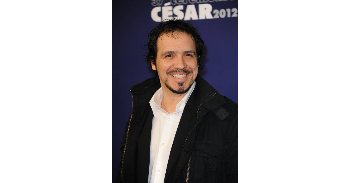 alexandre astier un acteur tr s appr ci de la gente f minine purebreak. Black Bedroom Furniture Sets. Home Design Ideas