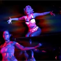 Nicki Minaj : Starships, clip ovni et sexy de la bombe du rap (VIDEO)
