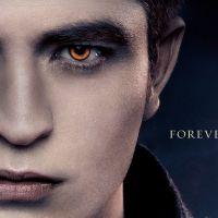 Twilight 5 : Edward, Bella et Jacob s'affichent ! (PHOTOS)