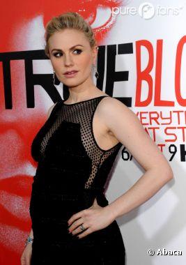 Anna Paquin resplandissante pour la soirée True Blood