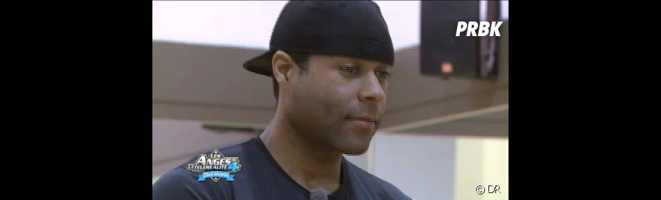 Troy regarde avec attention le cours d'Anthony : est-il à la hauteur de la surprise qu'il lui a réservé ?