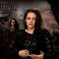 """Blanche Neige et le Chasseur : Kristen Stewart """"comme une petite fille"""" sur le tournage ! (VIDEO)"""