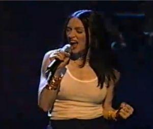 Madonna choque les hindous en 1998