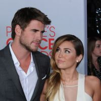 Miley Cyrus : être fiancée ça la fait kiffer !