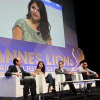 Selena Gomez en France, Shy'm, M. Pokora et Tal en trio, Nabilla so sexy... twitpics de la semaine !