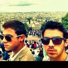 Nick et Joe Jonas à Paris : les fans se mettent dans tous leurs états sur Twitter