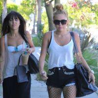 Miley Cyrus : un look de plus en plus rock ! (PHOTOS)