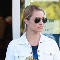 Dianna Agron : Une Glee Girl pas prise de tête, elle fait ses courses comme tout le monde ! (PHOTOS)