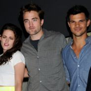 Twilight 5 au Comic Con : Robert Pattinson et Kristen Stewart présentent leur fille ! (PHOTOS)