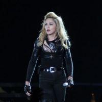 Madonna : Marine Le Pen et Lady Gaga victimes du MDNA Tour au Stade de France ! Aïe !