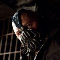 The Dark Knight Rises : des airs de Dark Vador pour Bane !