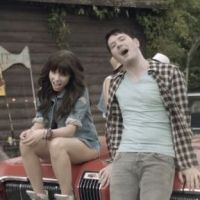 Carly Rae Jepsen et Owl City : Good Time, le clip plein de soleil (VIDEO)