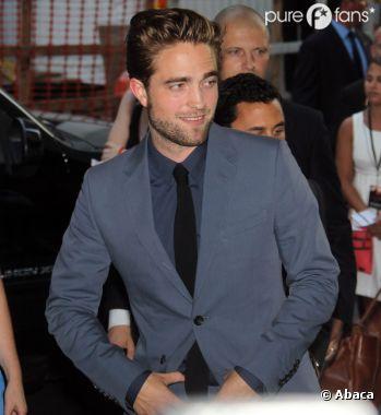 Robert Pattinson ultra hot pour sa première apparition après le scandale Kristen Stewart !